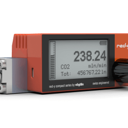 Battery powered digital mass flow meter red-y compact series with vacuum fittings